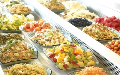 60-Minute All-You-Can-Eat Salad Buffet for 4 People