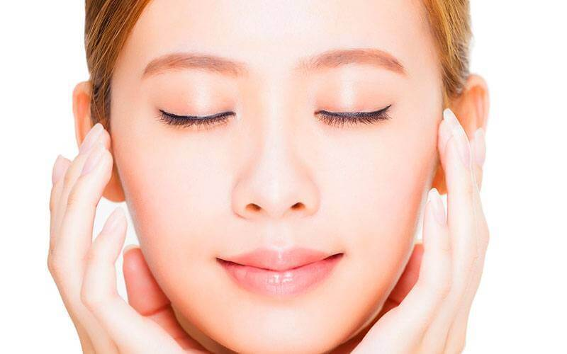 2-Hour Signature Facial with Neck and Shoulder Hot Stone Massage for 1 Person