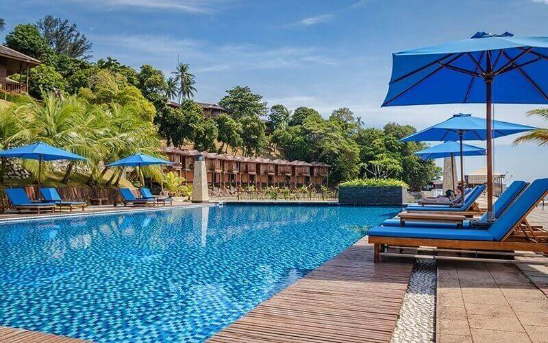 Batam: (Sun - Thu) 2D1N Stay in Deluxe Cottage Room + Return Ferry for 1 Person