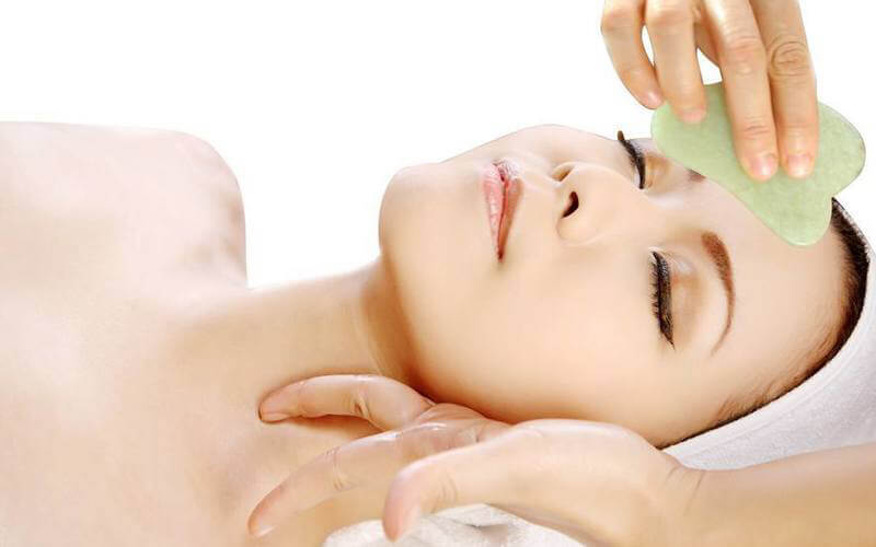 2-Hour Intensive Crystal Lifting Facial with Free Eyebrow Trimming and Shoulder Hot Stone Massage for 1 Person