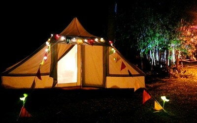 Kota Tinggi: 3D2N Stay in Luxury Tent with English Breakfast for 2 People