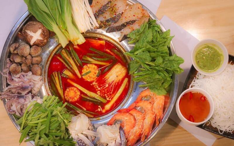 (Mon - Sun) 1-For-1 Seafood / Beef / Assorted Hotpot Set