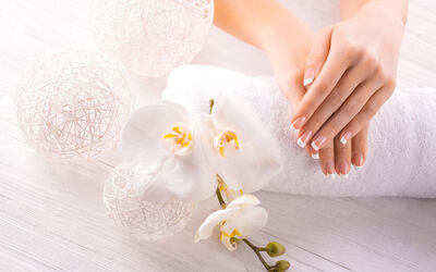 Gel Manicure with Return Soak-Off for 1 Person