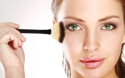 Simple Make Up untuk 1 Orang