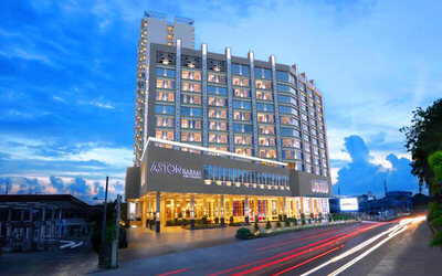 (Without Perks) Aston Hotel: 2D1N Stay in Superior Room with Return Ferry + City Tour for 1 Person