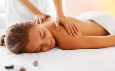 1x Traditional Body Massage + Head Massage + Hand Massage + Foot Massage + Foot Bath + Welcome Drink + Herbal Drink (90 Menit)
