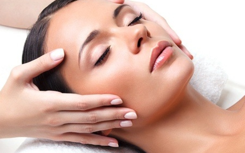 140-Minute Oxy-Plus Soothing Facial for 1 Person