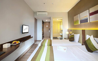 Jakarta: 2D1N in Superior Room + Breakfast + Lunch or Dinner for 1 Person