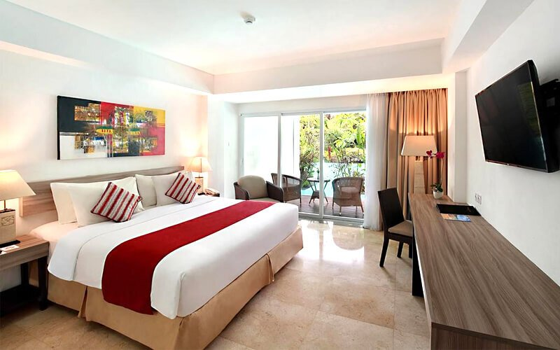Nusa Dua: 3D2N Laguna Pool Access + Breakfast