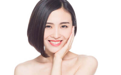 1-Hour Brightening Omega Light Facial for 1 Person (2 Sessions)