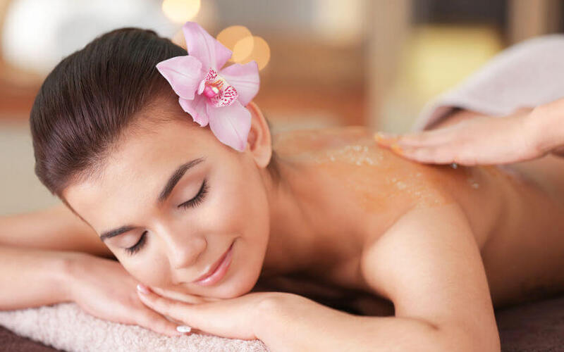 1.5-Hour Full Body Aromatherapy Massage with Back Scrub for 1 Person