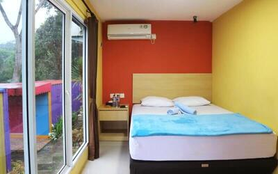 Puncak: 2D1N in Container Regular (Room Only) (Jumat - Sabtu)