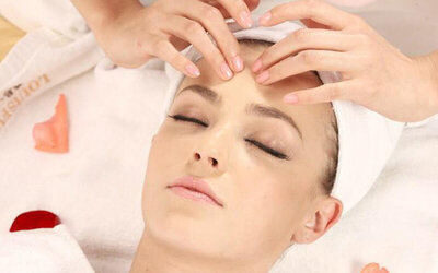 [Flash Deal] 90-Min Intensive Facial + Neck and Shoulder Massage for 1 Person