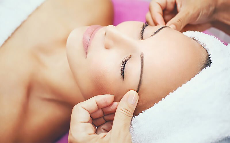Oil and Redness Control Facial for 1 Person