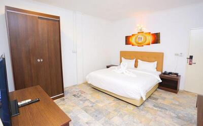Thailand: 2D1N Stay in Villa Room with Breakfast for 2 People