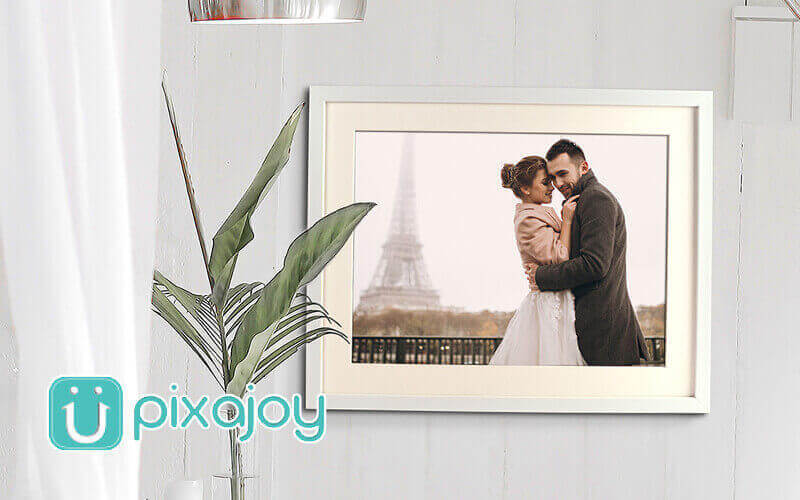 One (1) 12R Photo Print with Single Mounted Frame