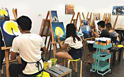 3-Hour Art Jamming Session with Free Flow Drinks and Snacks for 1 Person