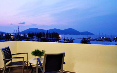 Pangkor: 2D1N Honeymoon Suite with Romantic Candle Light Dinner and Breakfast for 2 People