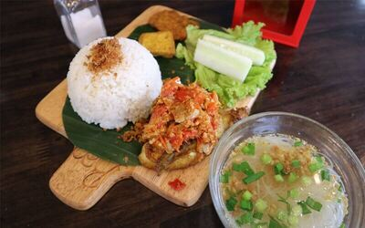 Paket Single 1 Main Course + Hot/ Ice Tea