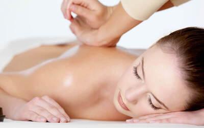 Reflexy + Back & Head Massage + Totok Wajah + Ear Candle + Foot Bath & Massage Cushion Reflexy (100 Minutes)