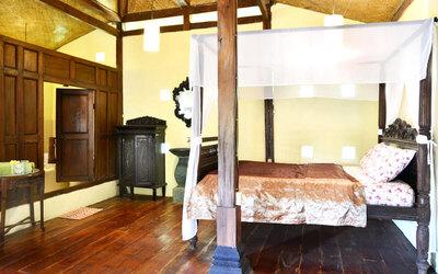 Yogyakarta: 4D3N Big Javanese Cottage + Breakfast