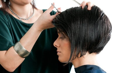Woman Cutting By Putri + Hair Wash + Hair Styling