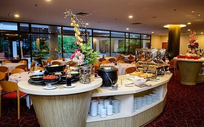 Lunch or Dinner Buffet for 1 Person