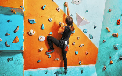 1-Week Unlimited Access to Indoor Rock Climbing Gym for 2 People