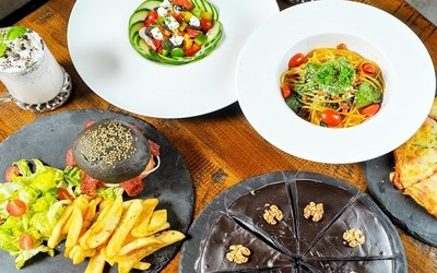 3-Course Lamb Burger or Pasta Western Meal for 4 People