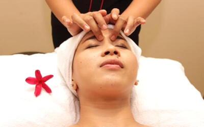 Footbath + Body & Face Massage + Aromatheraphy + Ginger Tea + Roti Bakar