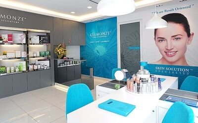 2-Hour Ultra-Collagen Booster Facial + Eye Lifting Treatment for 2 People