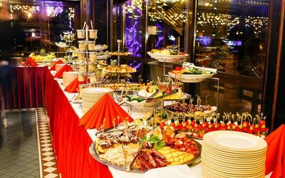 [12.12] New Year's Day Surf and Turf Brunch Buffet for 1 Person