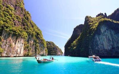 [Meriah Raya] Phuket: 1-Day Tour of Koh Phi Phi and Khai Island by VIP Speed Boat with Lunch for 1 Adult