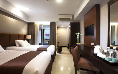 Malioboro: Stay 4D3N in Bisnis Room With  Breakfast