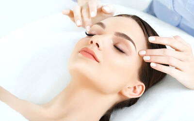 2-Hour Facial Massage + Neck and Shoulder Massage for 1 Person