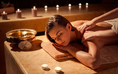 80-Minute Essential Oil Body Massage + Hot Blanket for 1 Person