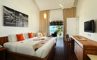 Batam: 2D1N Stay in Riani Deluxe Room with Breakfast for 2 People