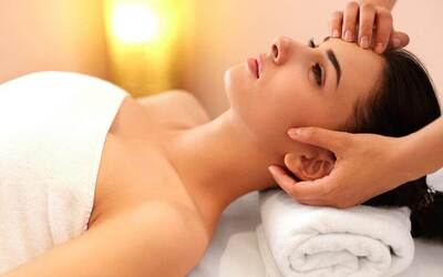 90-Minute Fractional CO2 Laser Treatment with Two (2) Ampoules for 1 Person