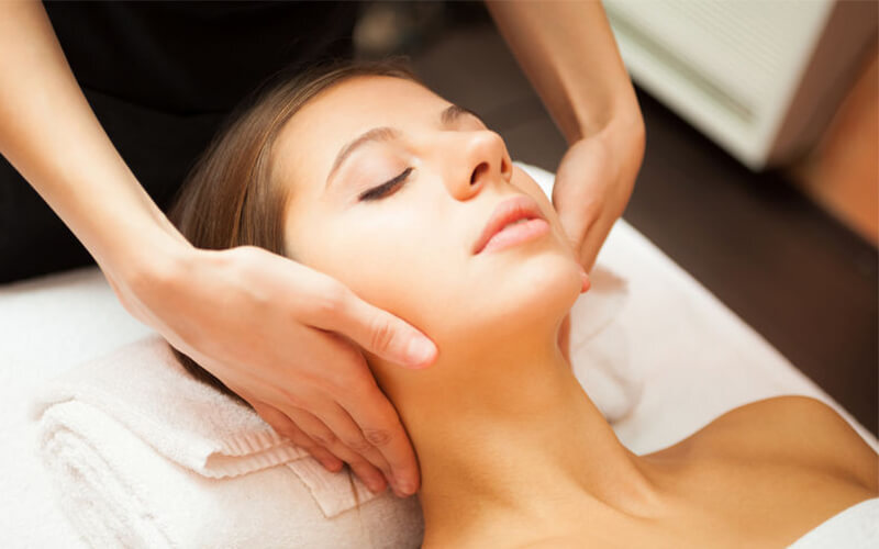 2-Hour Ultimate Hydration Facial Treatment with 3-Layer Mask, Gold Mask, and Ampoule for 1 person