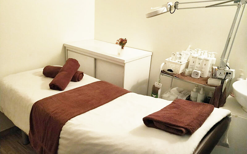 1.5-Hour Oxyjet Facial for 1 Person (1 Session)