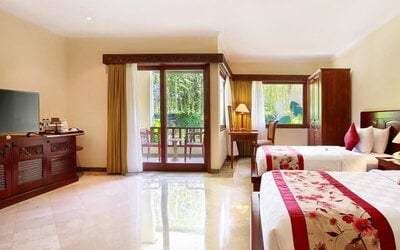 Nusa Dua: 4D3N at Deluxe Garden View (Room Only) + Welcome Massage + One Way Airport Transfer
