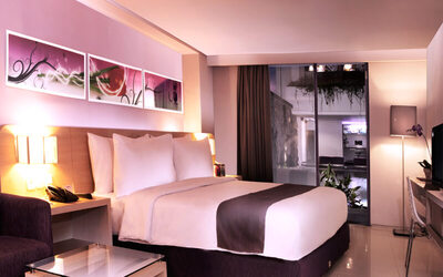Legian: 2D1N in Instyle Room + Breakfast