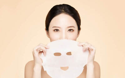 1.5-Hour Intensive Hydration and Deep Cleansing Facial with Ampoule + Eye Treatment + Neck Mask for 2 People