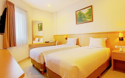 2D1N in Superior Room + Breakfast (Weekdays)