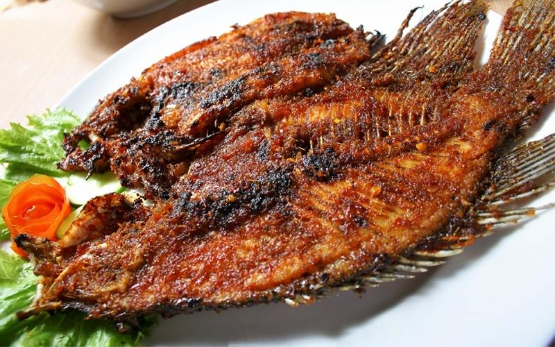Paket Makan Seafood C: Ikan + Cumi + Udang + Kerang