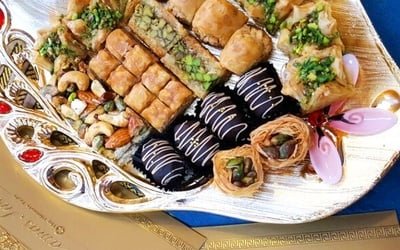 700g Assorted Arabic Sweets