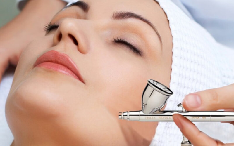 Face Oxy Glowing + PDT/Omega Light Treatment + Free Facial Collagen