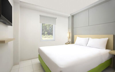Bekasi: 2D1N at Deluxe Room Only (Sunday - Thursday)