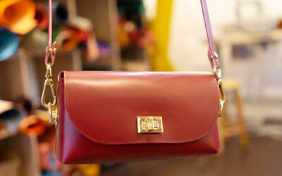 3-Hour Italian Leather Crossbody Bag Crafting Workshop with Personalised Debossing for 1 Person