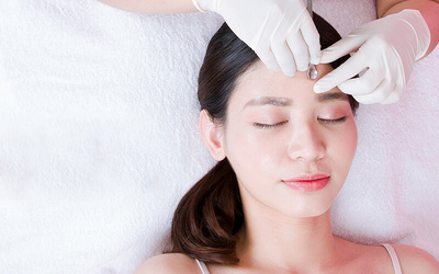 1x Medical Facial + Couter 6 Titik + FREE Shopping Voucher Rp 100.000